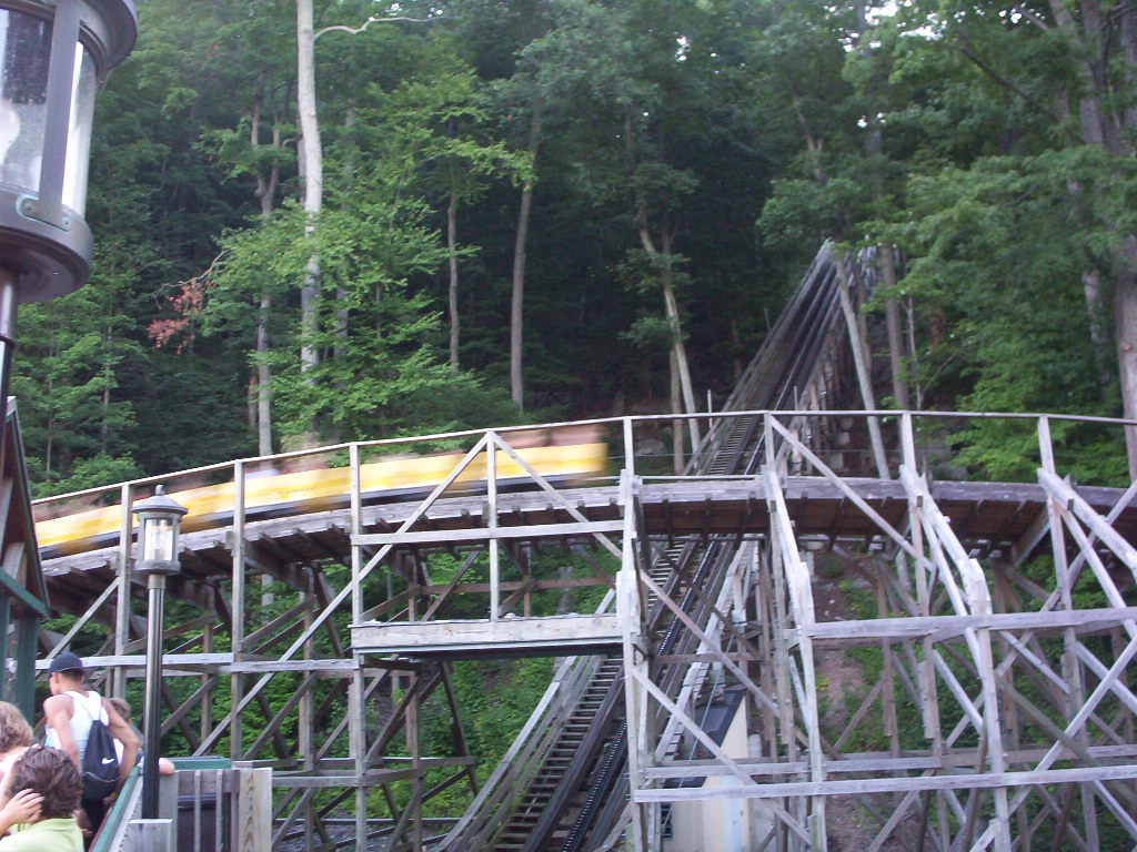 Boulder Dash Roller Coaster Review - Lake Compounce