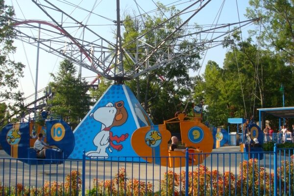 Woodstock Gliders at Carowinds