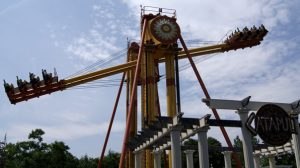Bert the Conqueror - Catapult at Six Flags New England
