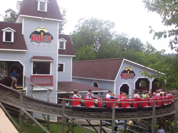 Raven Roller Coaster - Holiday World