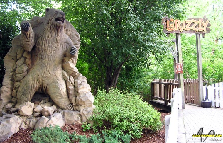 Grizzly Kings Dominion - Roller Coaster Review - Entrance