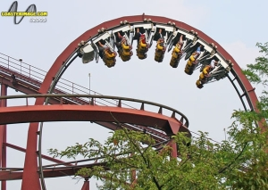 Iron Wolf - Six Flags Great America thumb