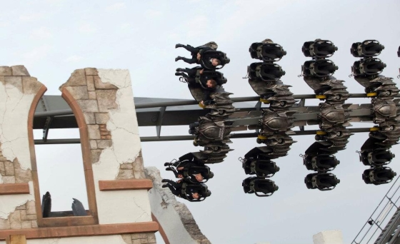 Thorpe Park - The Swarm Roller Coaster 4