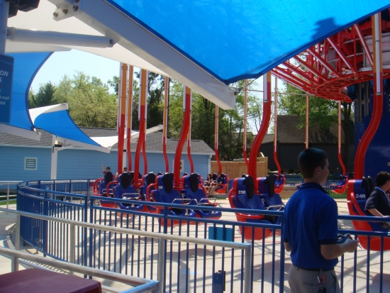 WindSeeker - Carowinds Shaded Queue