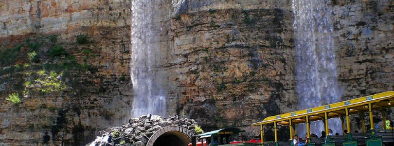 10 Most Beautiful Theme Parks on The Seasoned Pros List Show