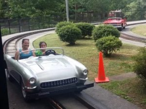 Rockin Roadway Car Ride - Dollywood- 350