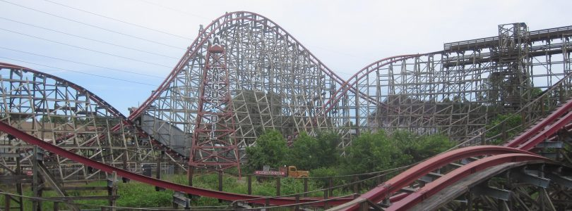 Showdown: New Texas Giant vs. Wicked Cyclone