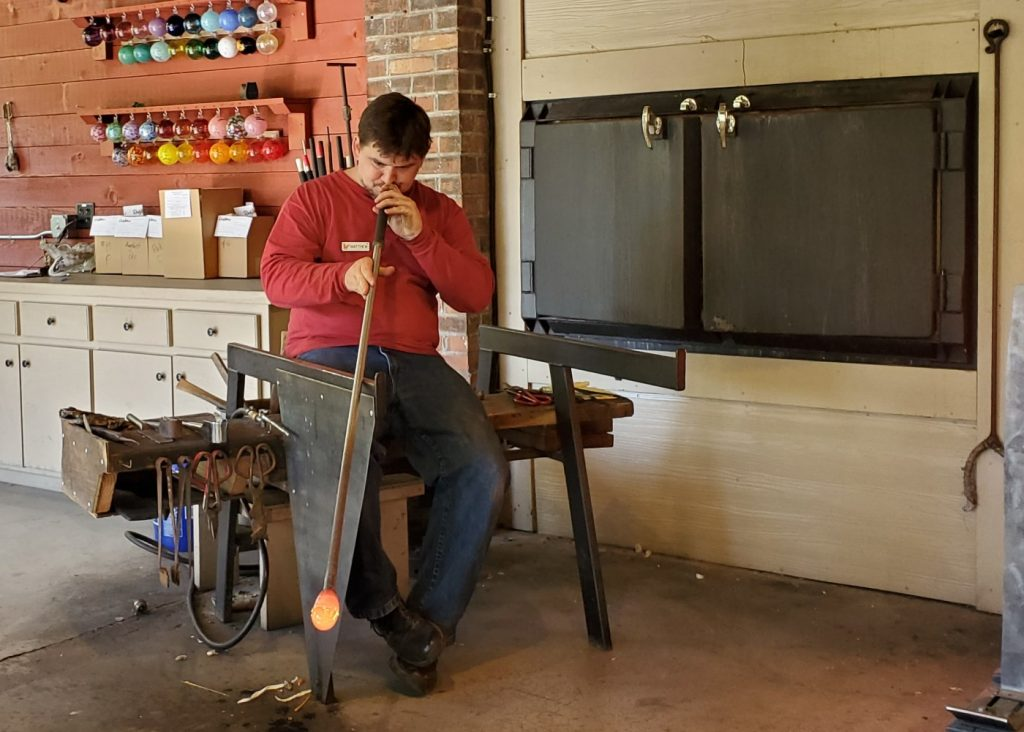 Glass Blowing - Craftsmans Valley - Dollywood