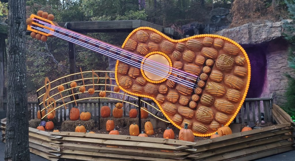 Luminights 2019 - Dollywood - Guitar
