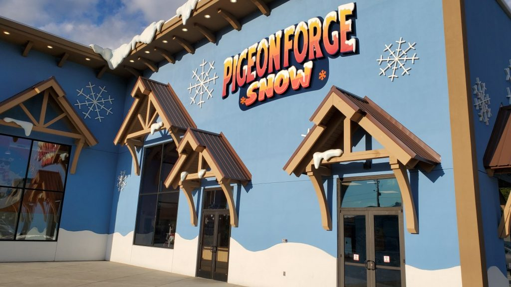 Pigeon Forge Snow Review - Indoor Snow Tubing