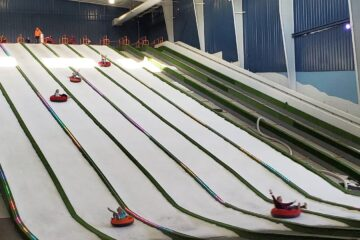 Pigeon Forge Snow Review - Indoor Snow Tubing - Sledding Hill